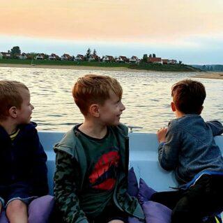 Helaas, het vaarseizoen loopt bijna ten einde....nog even een laatste rondje genieten in 2020 😍!! #summer2020 #sloep #geldersebootverhuur #varen #familie #happykids #family #Rhederlaag #watersports #watersport #sloephuren