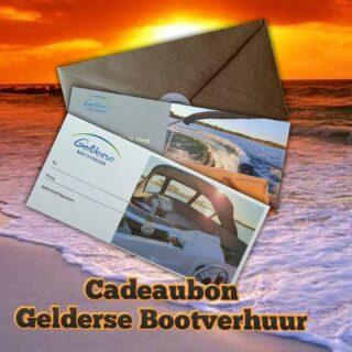 Op zoek naar een uniek cadeau 🎁? Verras iemand met een cadeaubon (waarde naar keuze) van Gelderse Bootverhuur! Een geluksmomenje om naar uit te kijken 🌞💕!! Bestellen? Mail naar info@geldersebootverhuur.nl. #houseboat #speedboats #vacationtimes #nieuwecollectie #tinyhouse #haveaniceday #memories💕 #vakantiegevoel #uniekcadeau #verrassing #kadotip #kado #searay #houseboats #houseboatlife #houseboatvacation #helijet #maxima #rondvaart